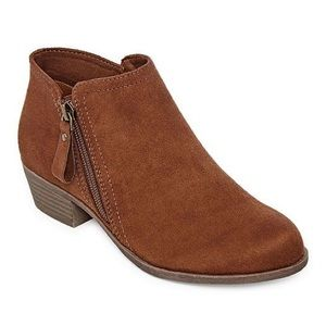 Chestnut Brown Ankle Boots Size 6 Wide Width